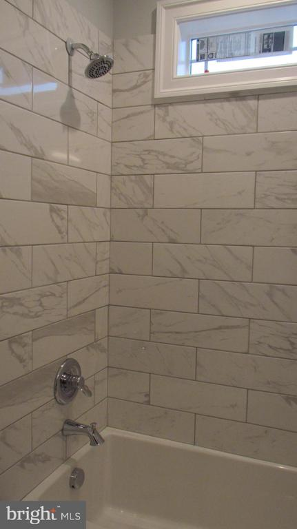 Bathroom 3 - Upper Level - 2116 N CULPEPER ST, ARLINGTON