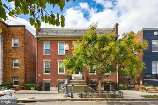 3318 SHERMAN AVE NW #202