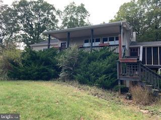 Single Family Homes para Venda às Mathias, West Virginia 26812 Estados Unidos