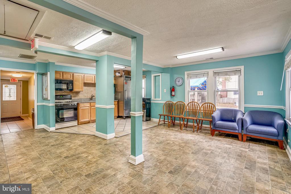 Kitchen/Dining Room Combo - 8502 ADELPHI RD, ADELPHI