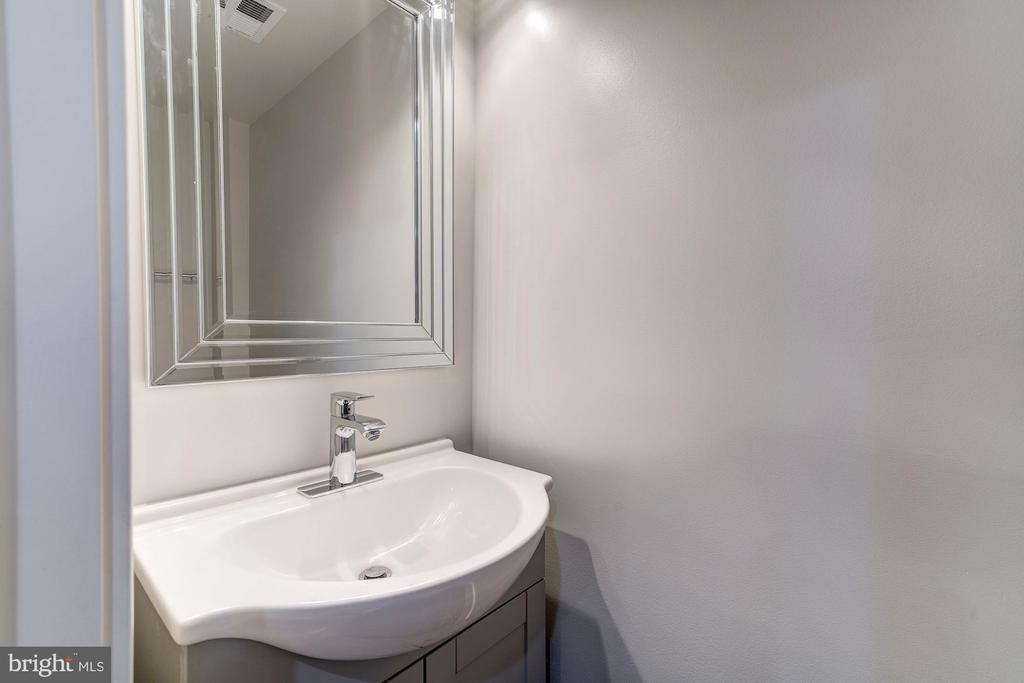 Half Bath - 2807 6TH ST NE, WASHINGTON