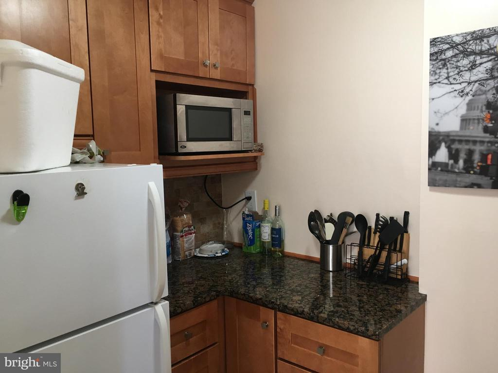 Kitchen - 1111 ARLINGTON BLVD #542, ARLINGTON