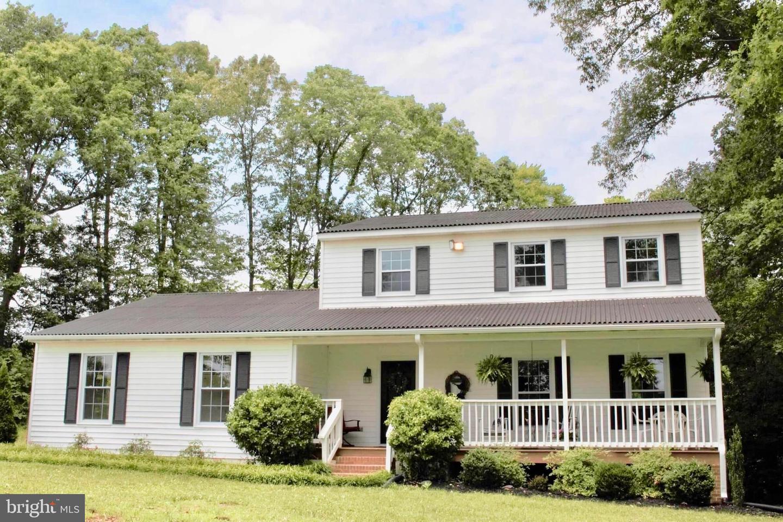 Single Family Homes 為 出售 在 Cartersville, 弗吉尼亞州 23027 美國