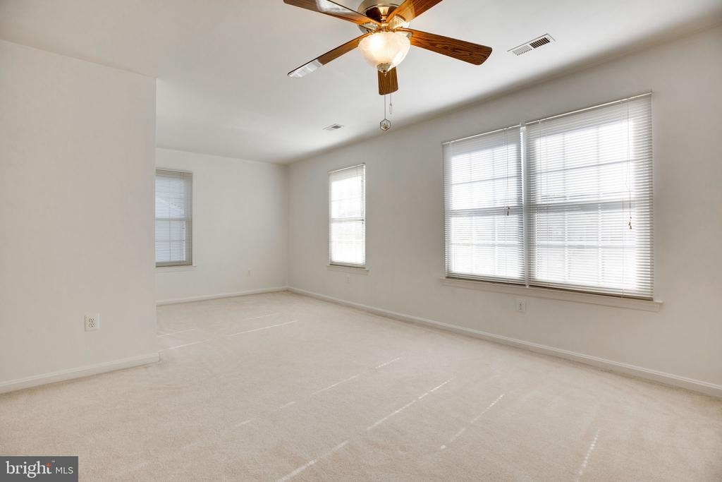 Master Suite - alternate view - 6858 KERRYWOOD CIR, CENTREVILLE
