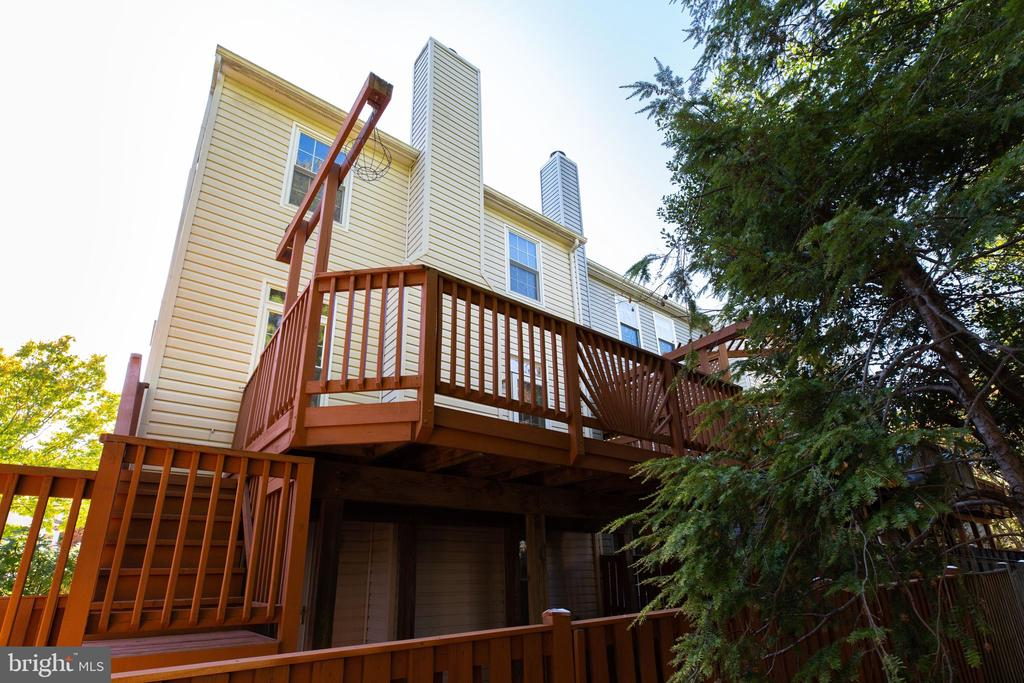 Back of Home, showing Deck and Stairs - 6858 KERRYWOOD CIR, CENTREVILLE