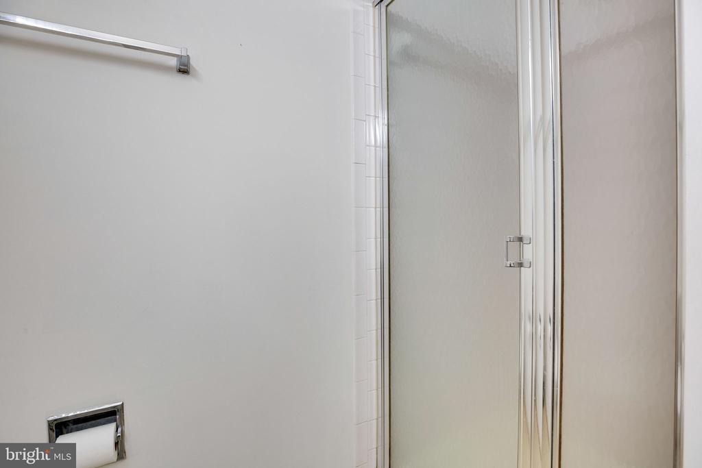 Master Bathroom, Separate Shower - 6858 KERRYWOOD CIR, CENTREVILLE