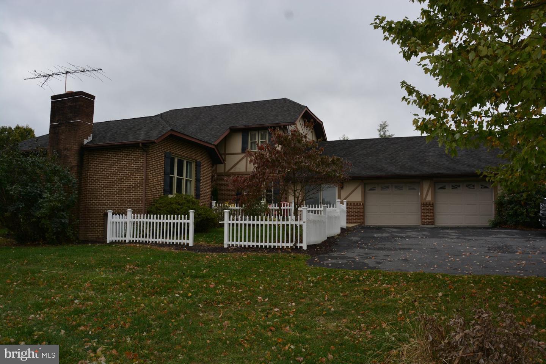 Single Family Homes para Venda às Cross Junction, Virginia 22625 Estados Unidos
