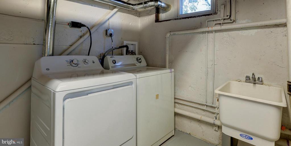 Laundry Room - 4100 71ST AVE, HYATTSVILLE