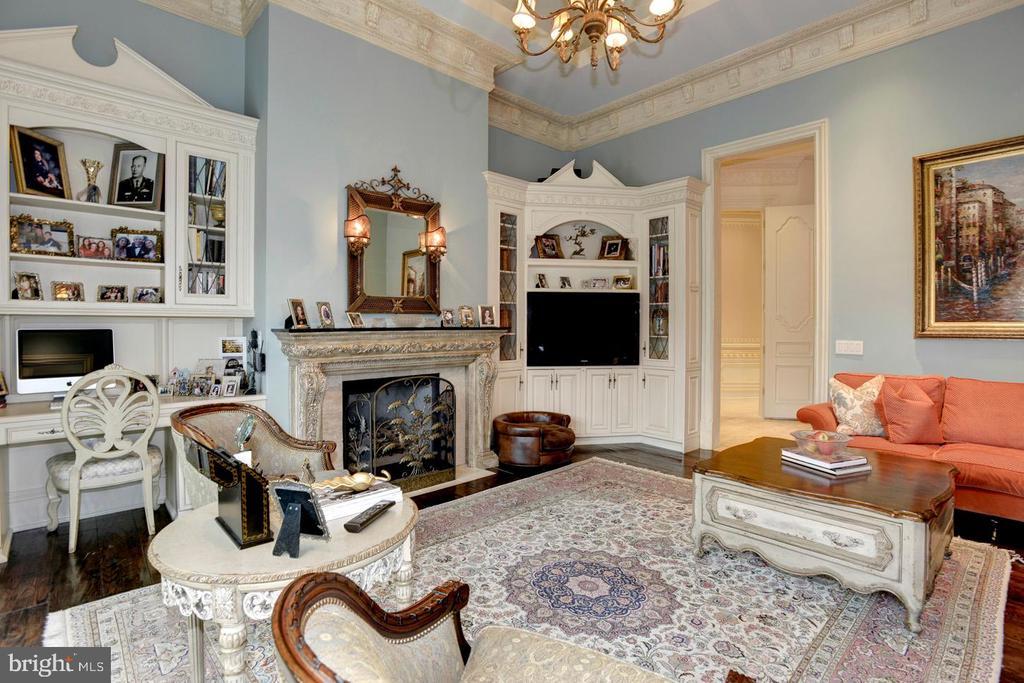Family Room - 9300 RIVER RD, POTOMAC