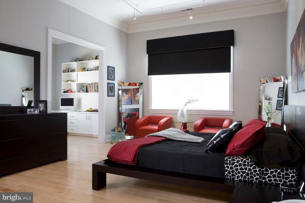 Bedroom - 9300 RIVER RD, POTOMAC