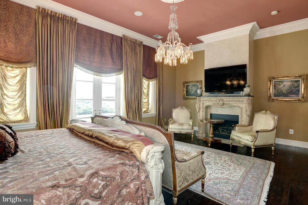 Guest Bedroom - 9300 RIVER RD, POTOMAC
