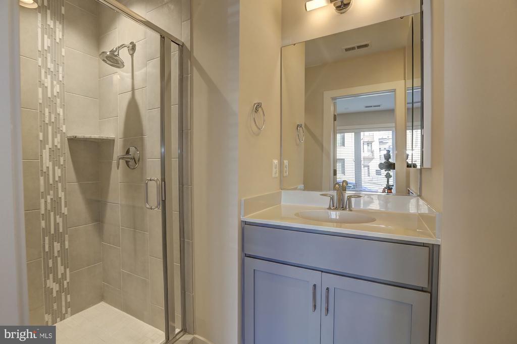 Guest bath - 6634 EAMES WAY, BETHESDA