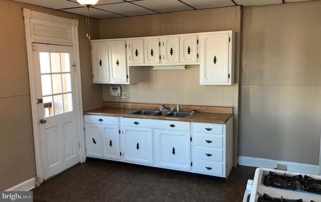 Kitchen - 808 W FRANKLIN ST, HAGERSTOWN