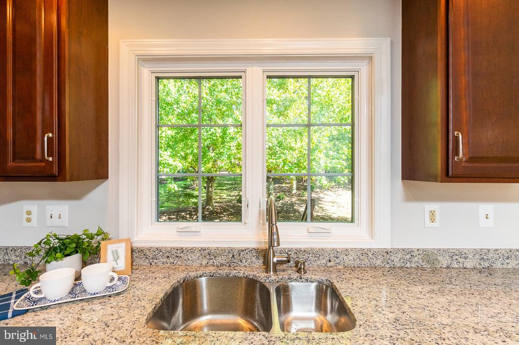 Great view of trees at Kitchen sink area - 4917 EDGE ROCK DR, CHANTILLY