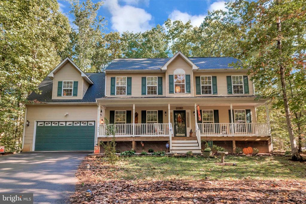 Welcome to 404 Wilderness Drive! - 404 WILDERNESS DR, LOCUST GROVE