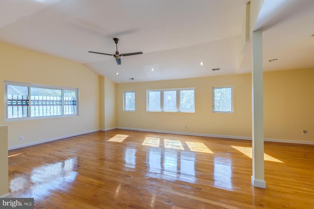 Upper Level Living Room - 3137 S GLEBE RD, ARLINGTON