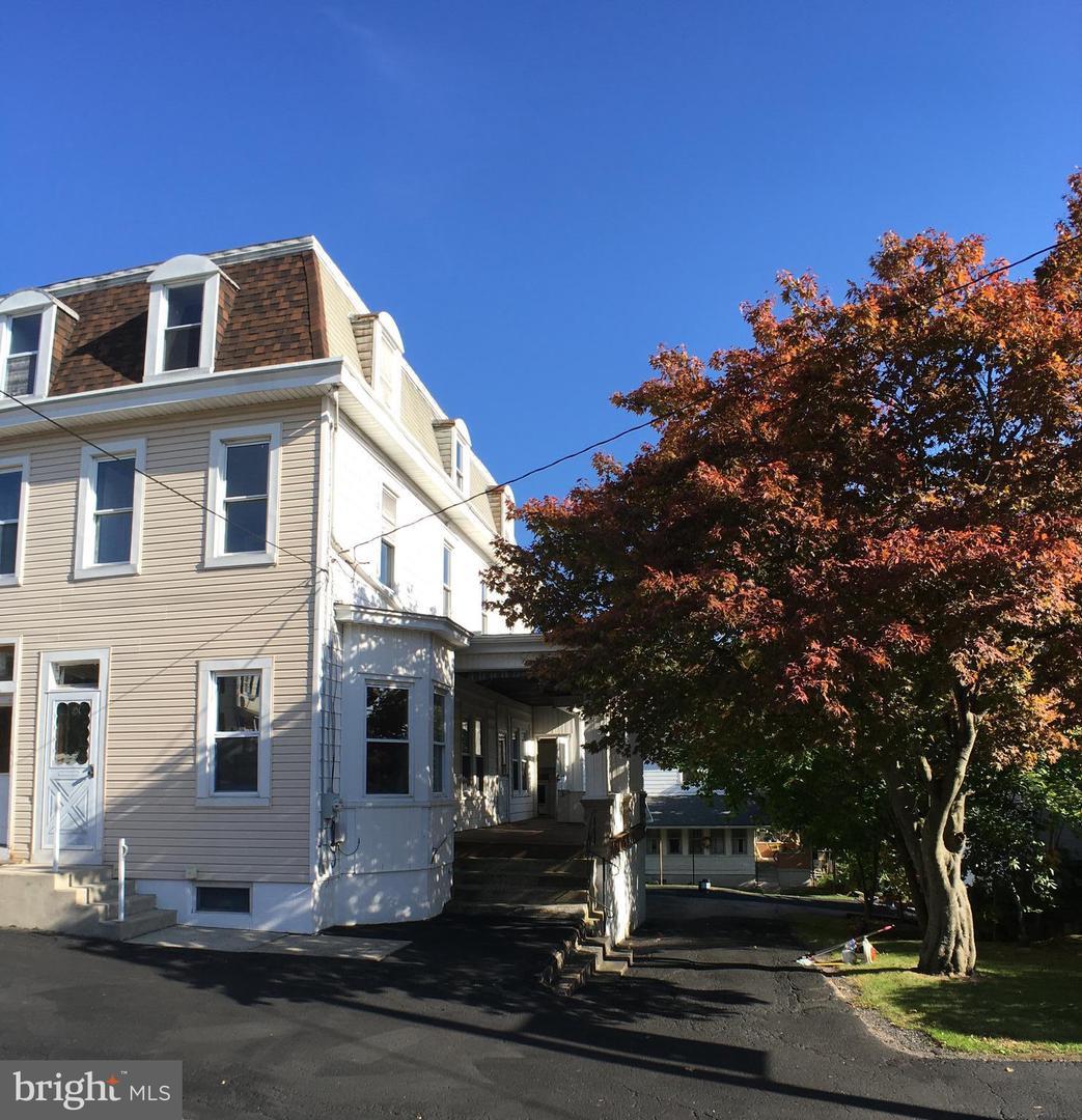 Single Family Homes للـ Sale في Jim Thorpe, Pennsylvania 18229 United States