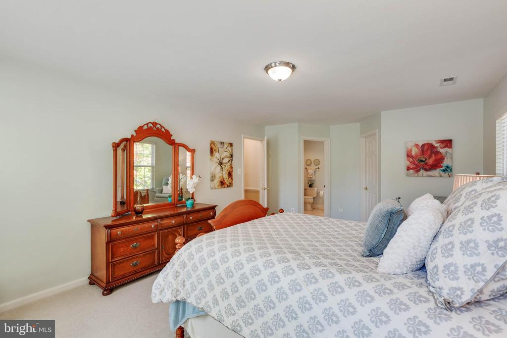 Master Suite - 15891 JESTER CT, DUMFRIES