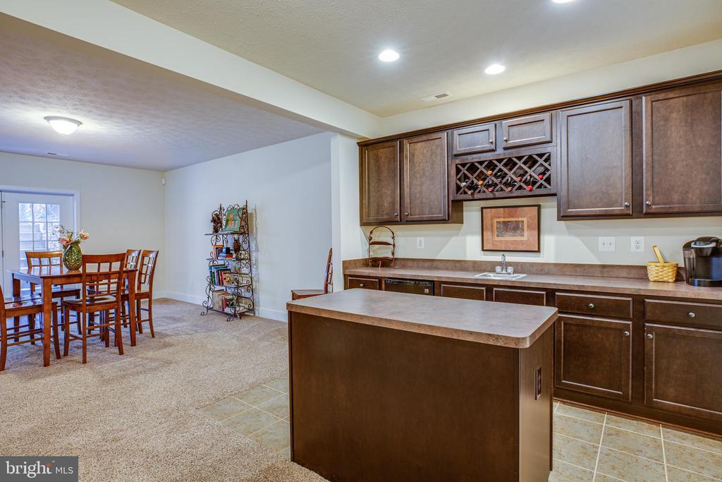 Lower-level kitchenette - 11206 VALOR BRIDGE DR, SPOTSYLVANIA