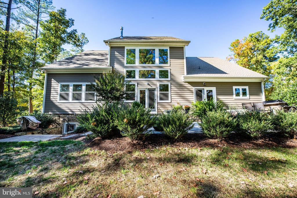 Exterior, rear - 11206 VALOR BRIDGE DR, SPOTSYLVANIA