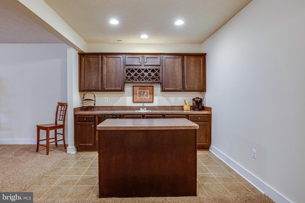 Lower-level kitchenette - 11206 VALOR BRIDGE DR, SPOTSYLVANIA