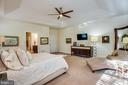 Main-level master suite - 11206 VALOR BRIDGE DR, SPOTSYLVANIA