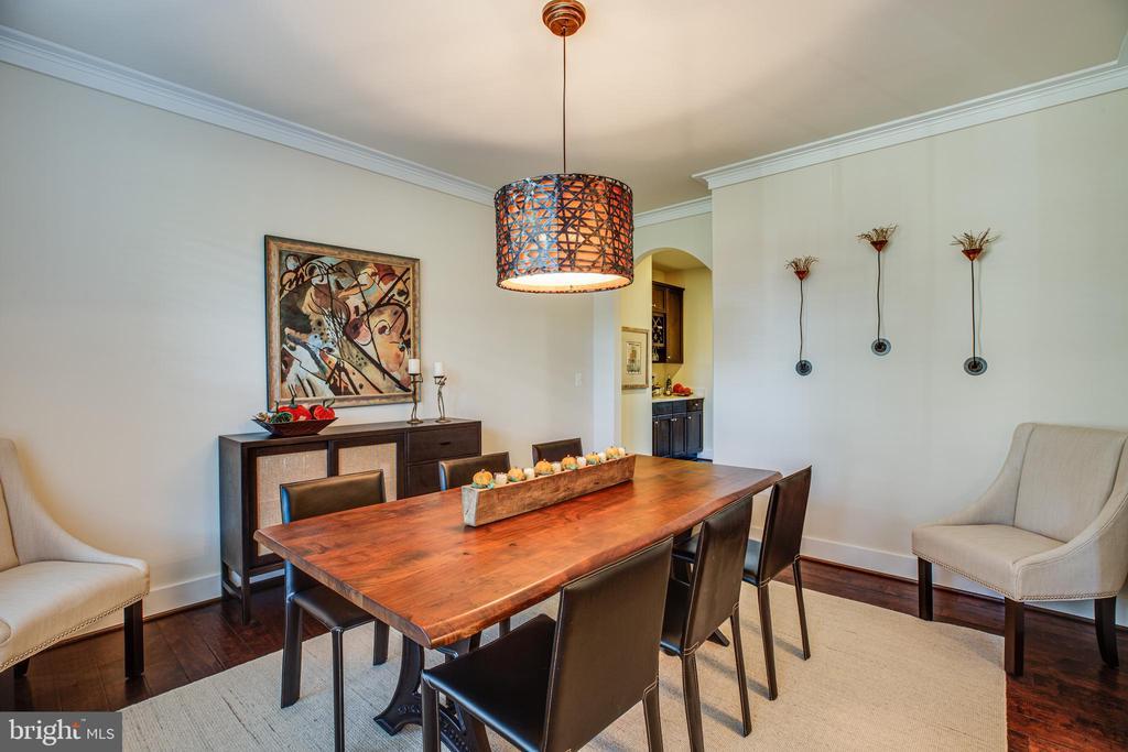 Formal dining room - 11206 VALOR BRIDGE DR, SPOTSYLVANIA