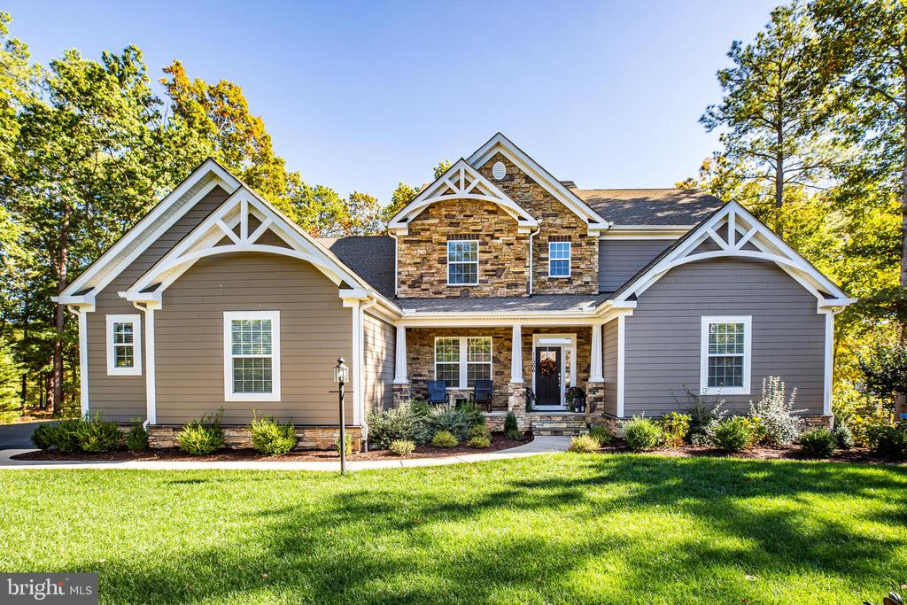 Welcome home! - 11206 VALOR BRIDGE DR, SPOTSYLVANIA
