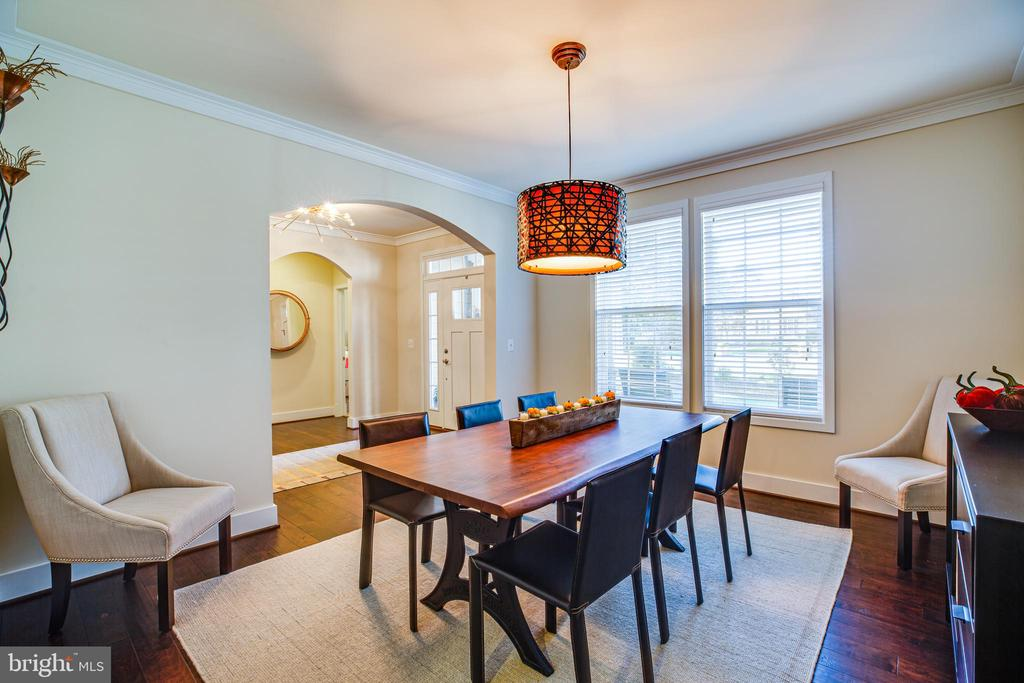 Formal dining room - 11206 VALOR BRIDGE DR, SPOTSYLVANIA
