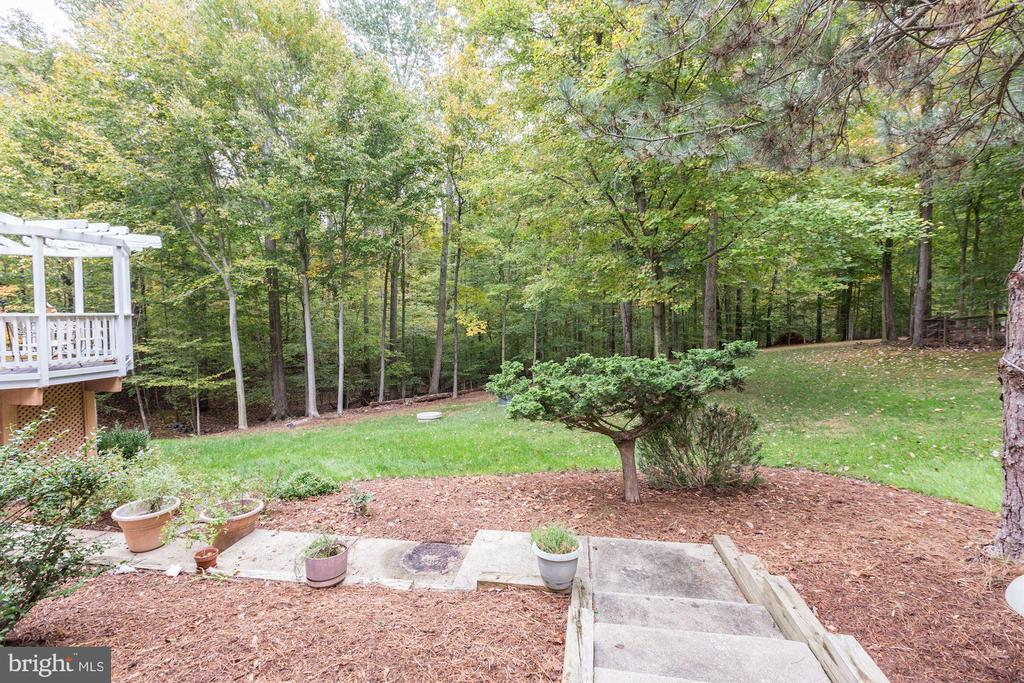 - 7505 CANNON FORT DR, CLIFTON