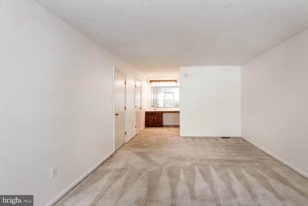 Master Bedroom - 203 BOOKHAM LN, GAITHERSBURG