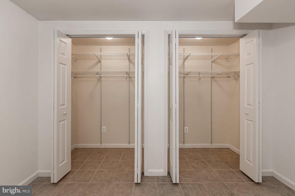 Closet in room - 203 BOOKHAM LN, GAITHERSBURG