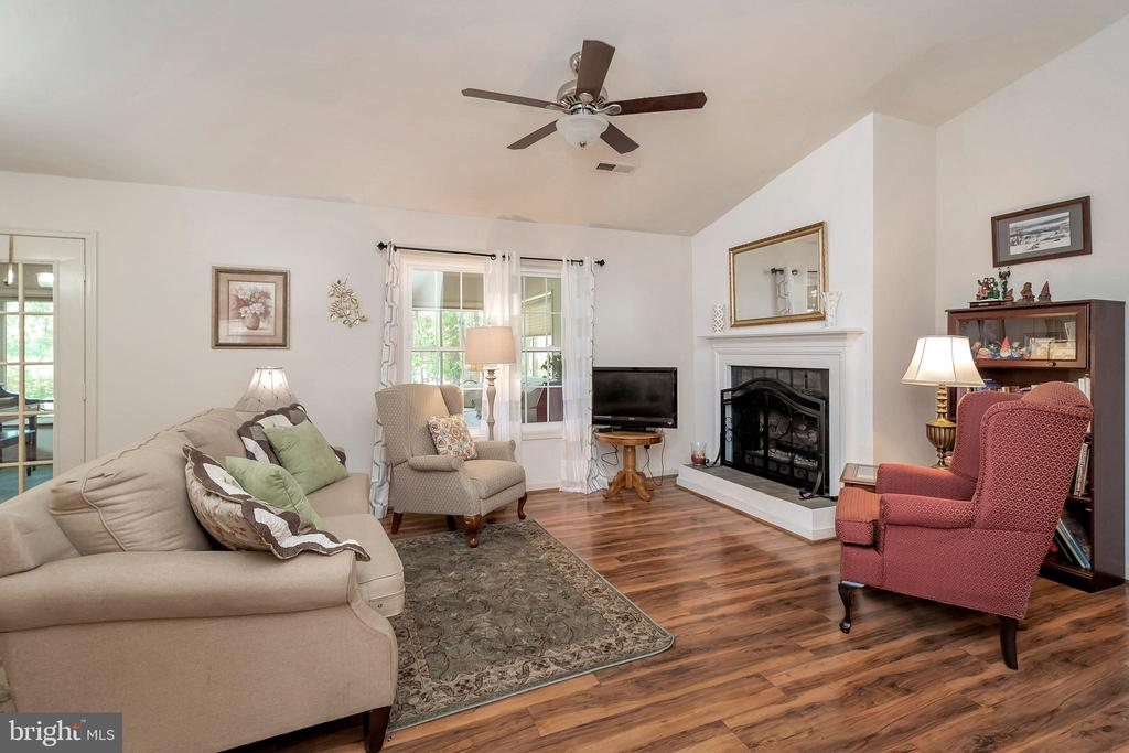 Living Room - 143 EAGLE CT, LOCUST GROVE