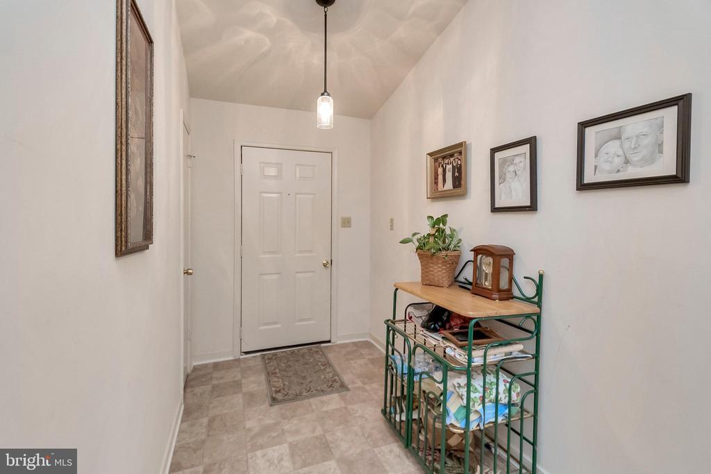 Entrance Foyer - 143 EAGLE CT, LOCUST GROVE