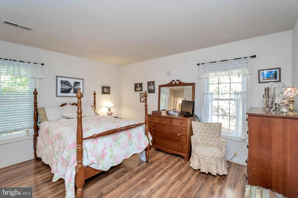 Master Bedroom - 143 EAGLE CT, LOCUST GROVE