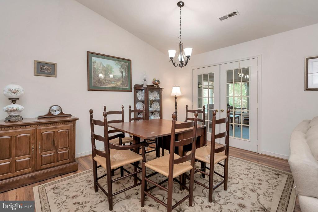 dining area - 143 EAGLE CT, LOCUST GROVE