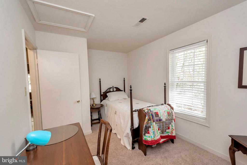 bedroom three - 143 EAGLE CT, LOCUST GROVE