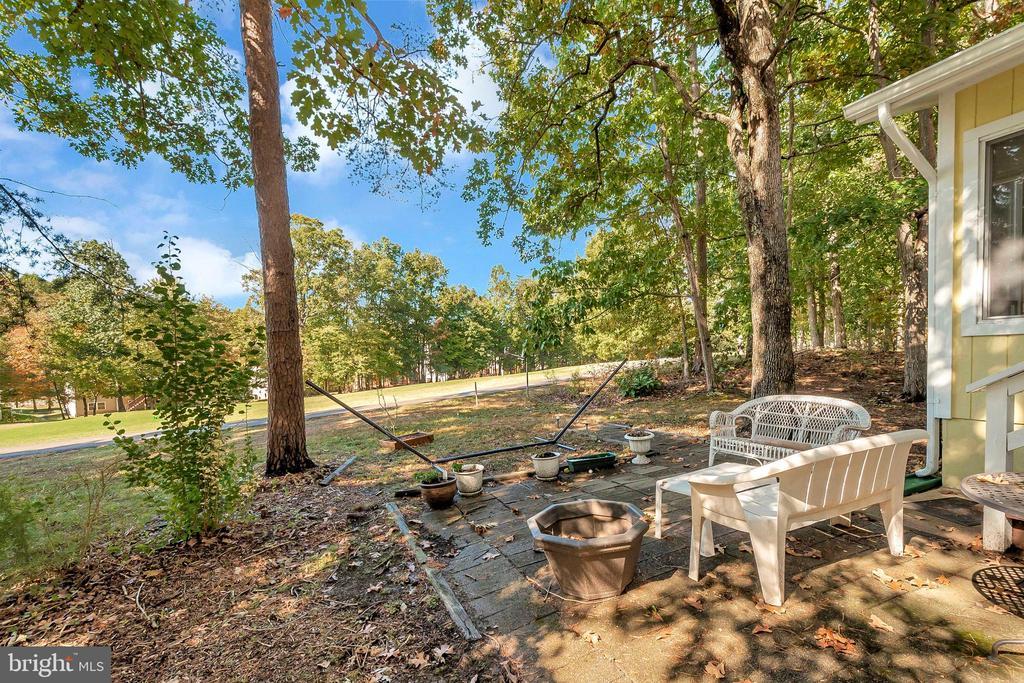 Backyard view - 143 EAGLE CT, LOCUST GROVE