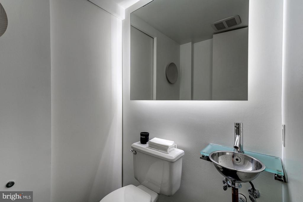 Powder Room - 1355 28TH ST NW, WASHINGTON