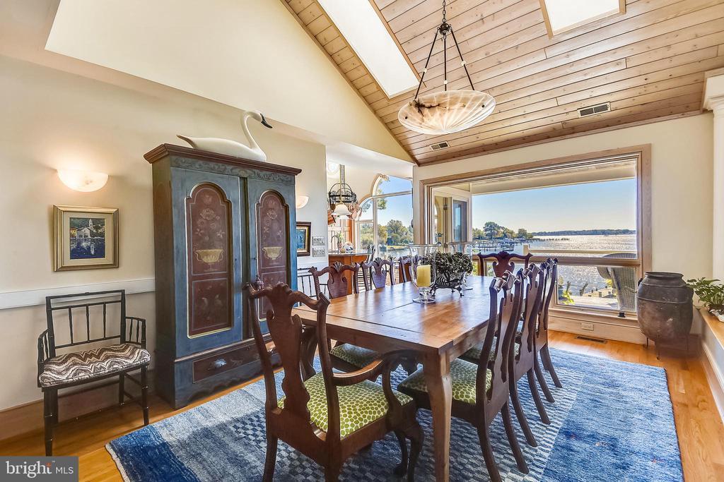 Dining room with skylights & cedar ceiling - 1 DEMYAN DR, ANNAPOLIS