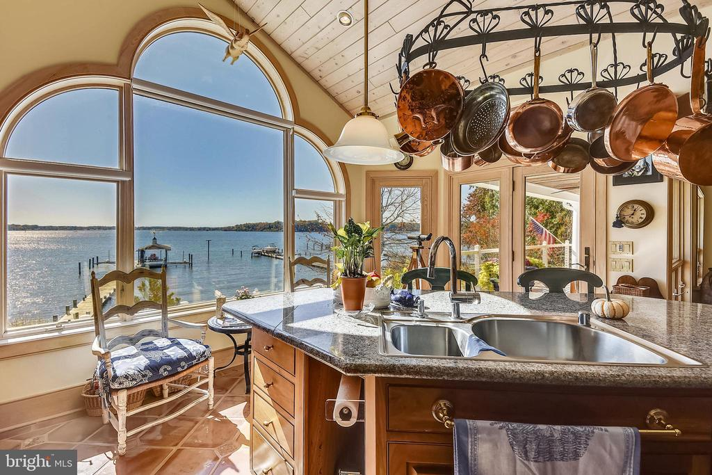 Kitchen w/ Palladium window. Pot rack not included - 1 DEMYAN DR, ANNAPOLIS