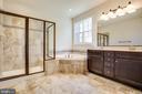 Master bathroom - 72 LOCKSLEY LN, FREDERICKSBURG