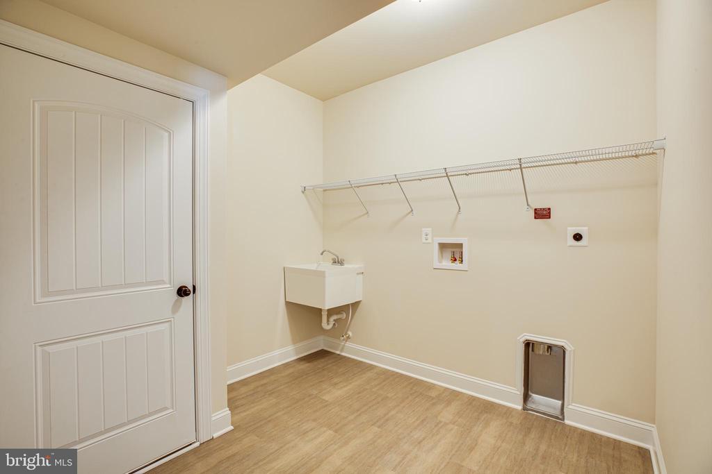 Laundry room - 72 LOCKSLEY LN, FREDERICKSBURG