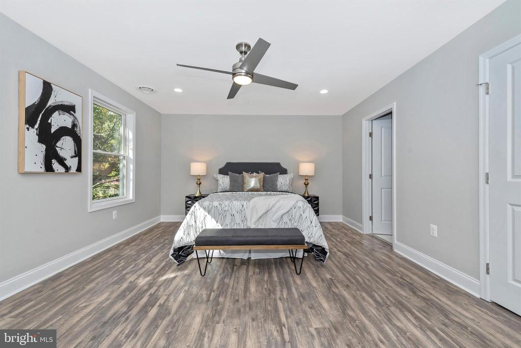 Master Bedroom - 120 W ALL SAINTS ST, FREDERICK