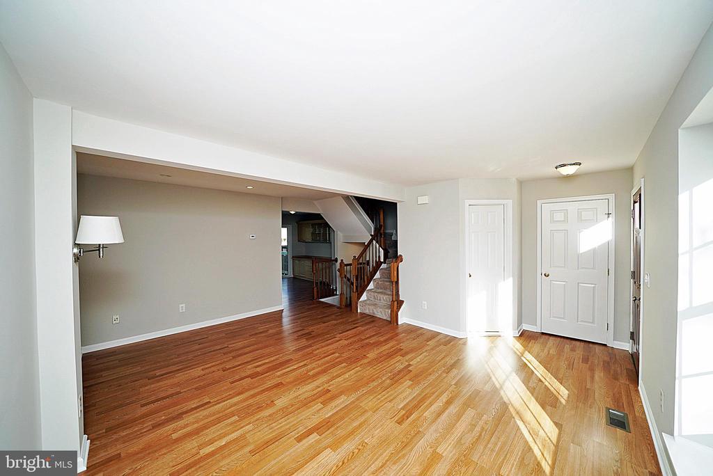 LIVING ROOM 1 - 14308 ARTILLERY CT, CENTREVILLE