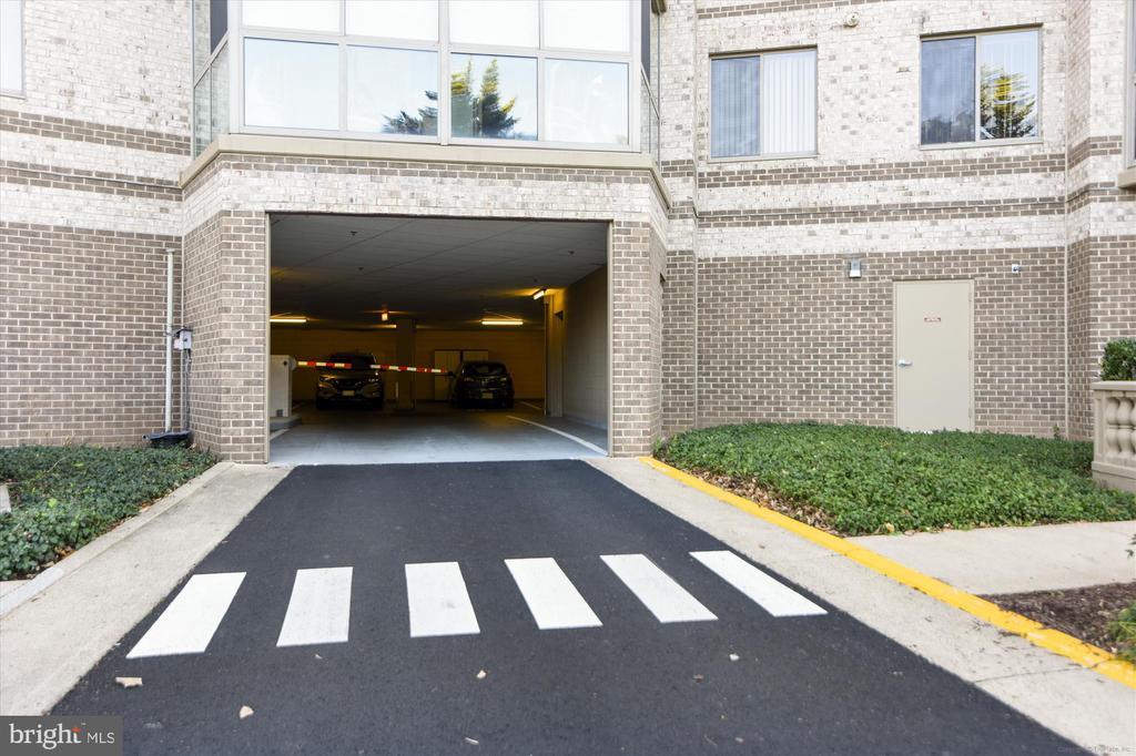 Premier Parking Space next to entrance / elevator - 19385 CYPRESS RIDGE TER #414, LEESBURG