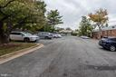 Private parking lot gives access to the kitchen - 316 ASHBY ST #D, ALEXANDRIA