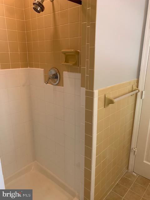 4th Bedroom Full Bath - 1209 RICHMOND DR, STAFFORD