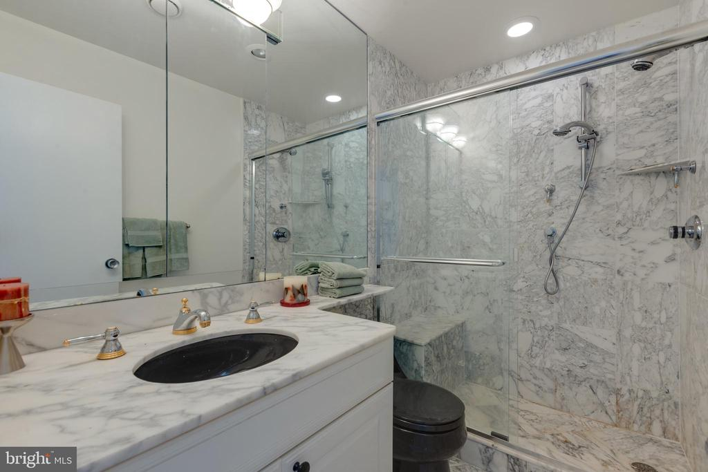 Remodeled Bathroom - 1200 N NASH ST #538, ARLINGTON