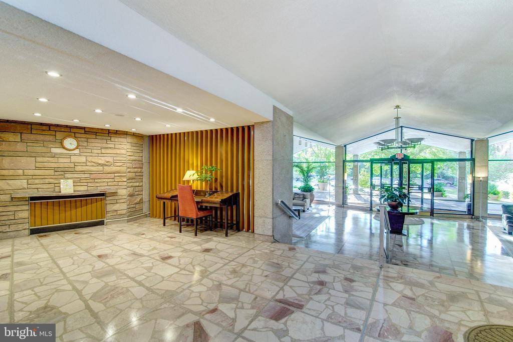 Upper lobby - 1200 N NASH ST #538, ARLINGTON